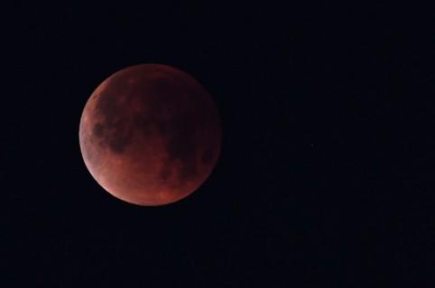 Luna roja - Origen desconocido