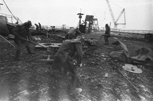 Graphite-removal-on-Chernobyl-roof-The-Atlantic
