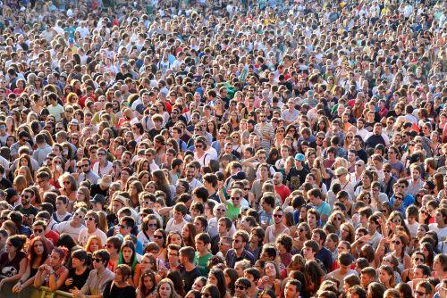 Muchedumbre - Origen desconocido