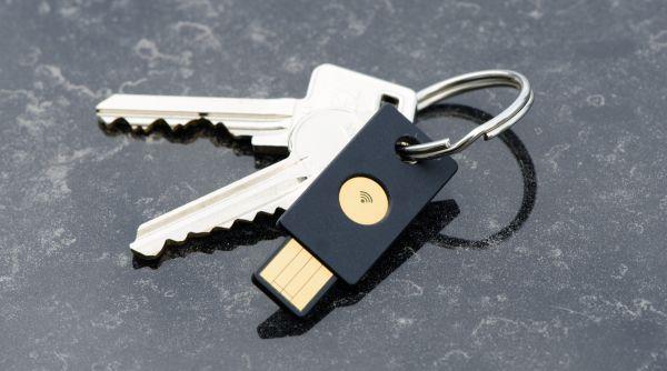 YubiKey-NEO-on-Keychain - Origen Yubico