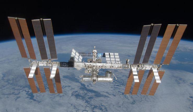 La Estación Espacial Internaciona en Marzo de 2009 - Origen Wikipedia - NASA