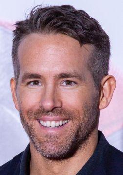 Ryan Reynolds - Origen desconocido