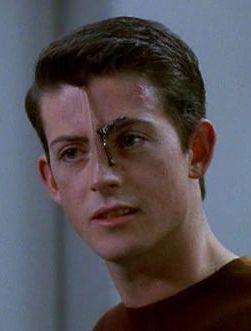 Icheb en Star Trek Voyager - Origen CBS