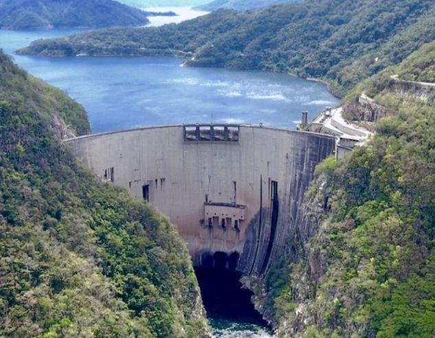 Una represa - Origen desconocida
