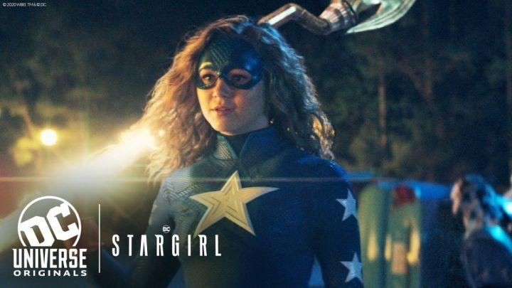 Foto promocional para la serie Stargirl - Origen DC Universe