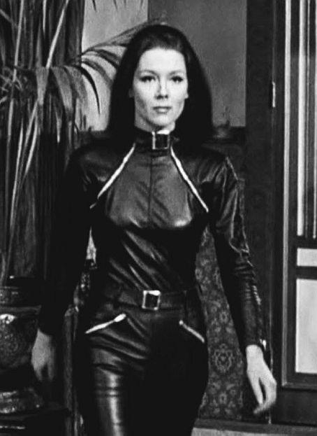 Diana Rigg en el leyendario traje de The Avenger - Origen Thames
