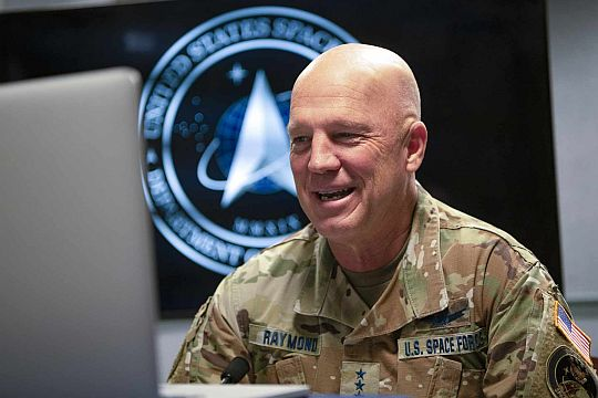 U.S. Space Force's chief of space operations, Air Force Gen. John W. Raymond - Origen desconocido