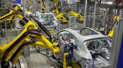 Robots KUKA en una fábrica automóvil – Origen KUKA