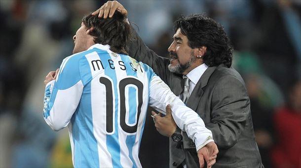 Diego Maradona y Lionel Messi - Origen desconocido