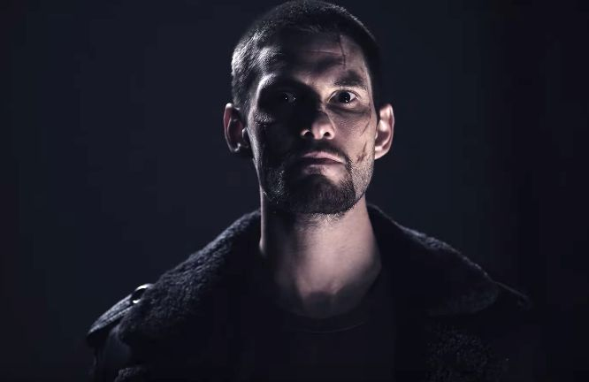 "Ben Barnes como Billy Russo-Jigsaw en ""The Punisher"" - Origen Netflix"