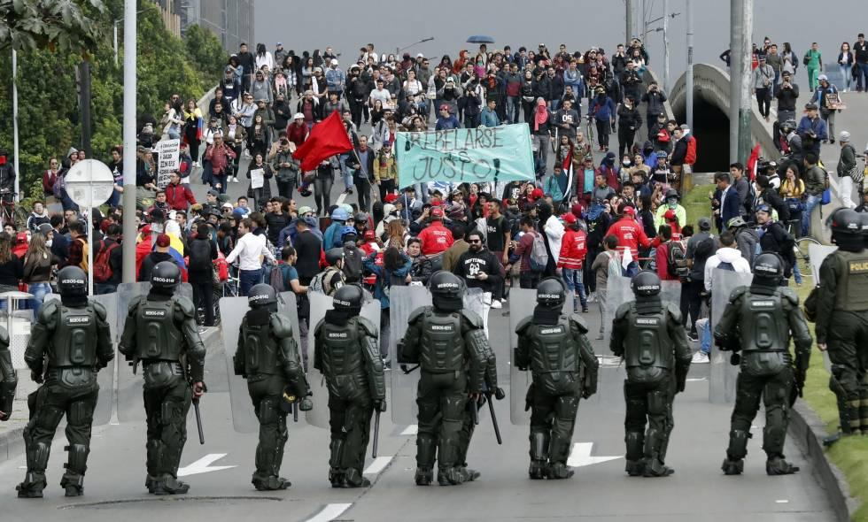 Démocratie contre pandémie - Foto originale Agence EFE