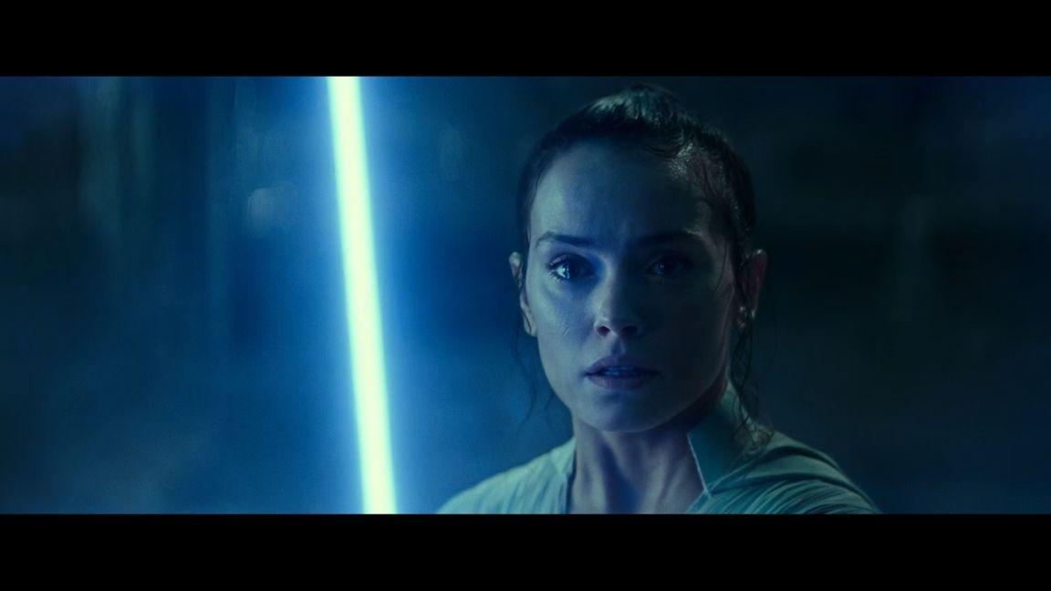 """Daisy Ridley como """"Rey"""" en """"The Rise of Skywalker"""" - Captura de pantalla pelicula de Lucasfilm Ltd"""