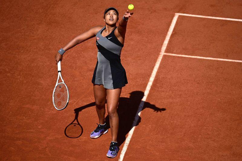 Naomi Osaka en el torneo de Roland Garros – Foto por Martin Bureau/AFP via GETTY