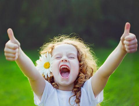Una niña entusiasta - Origen desconocida