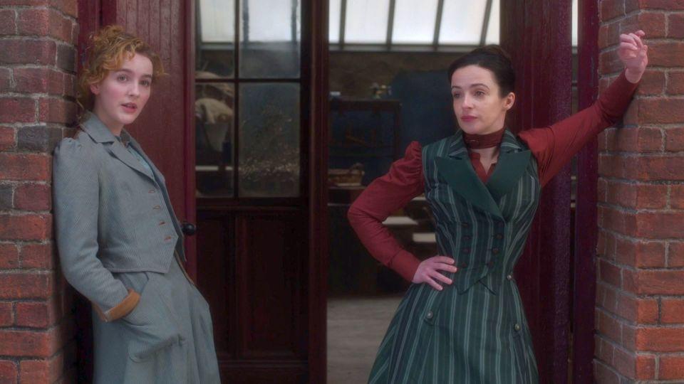 Penance y Amalia en The Nevers - Origen HBO Max