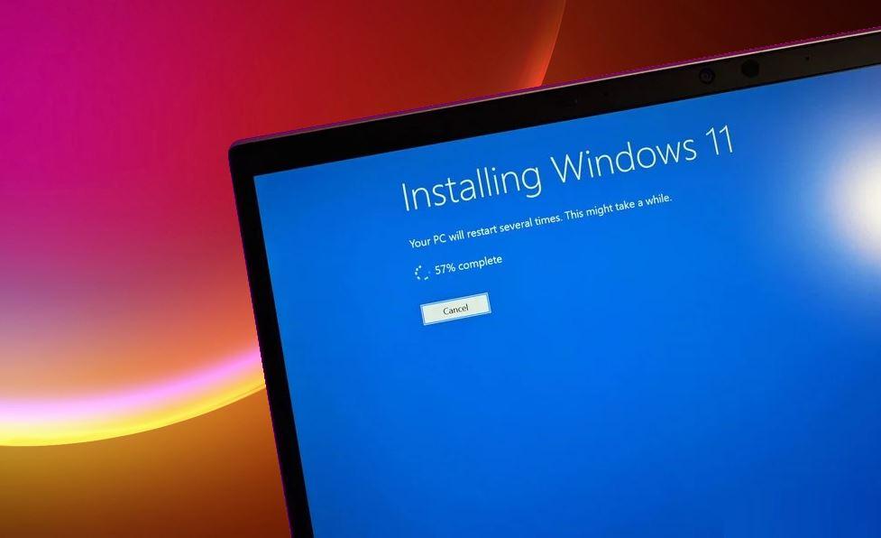Un PC actualizándose a Windows 11 – Origen desconocido